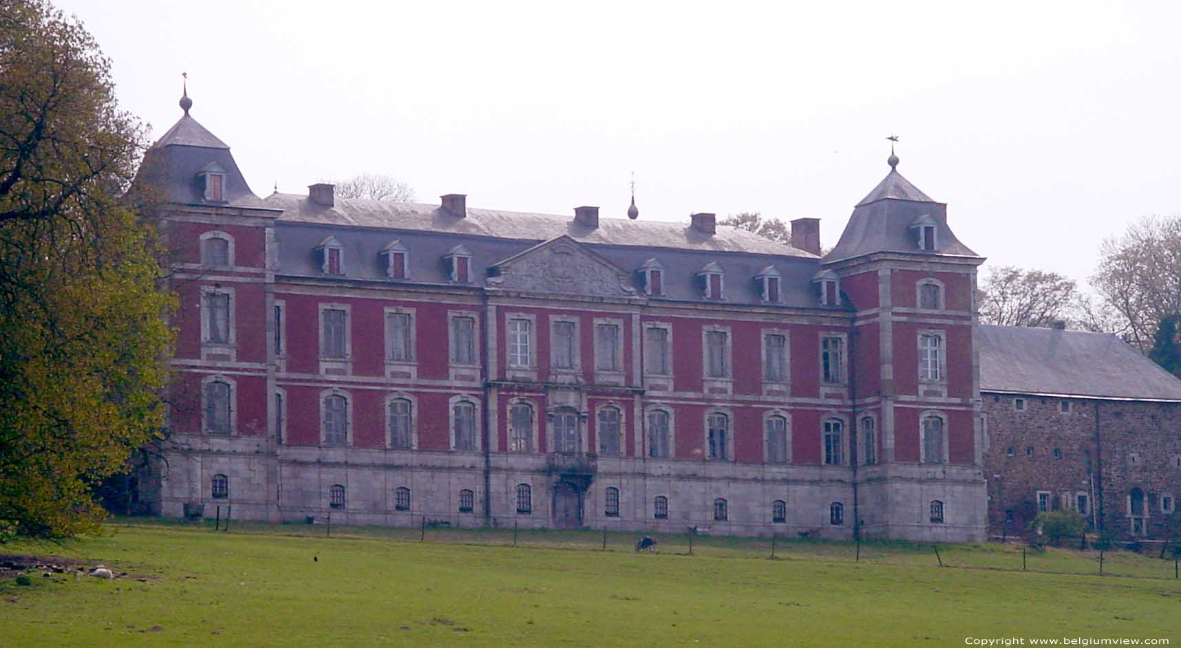 Château belle maison marchin photo