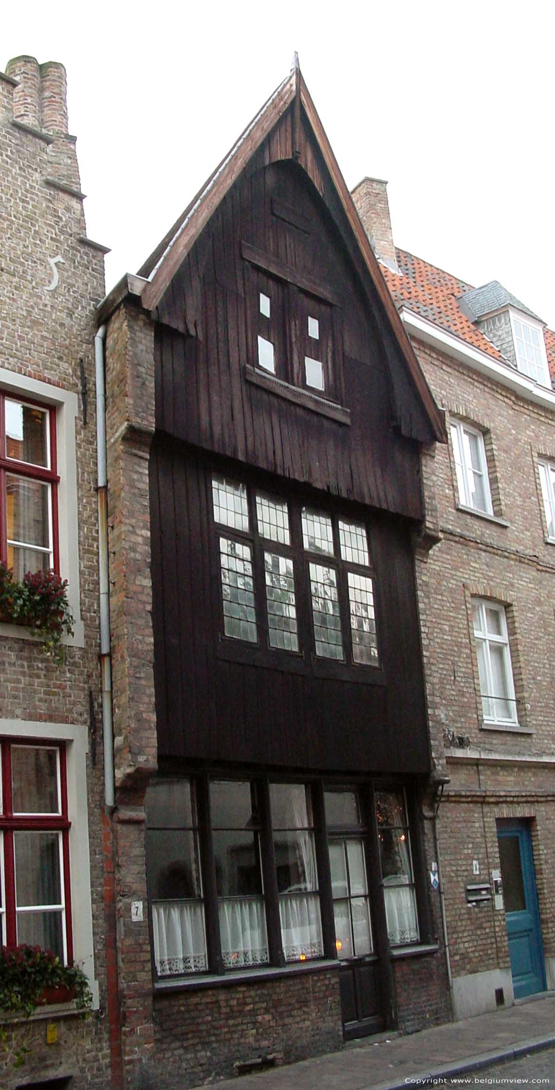 Houten huis bruges picture - Huis hout ...