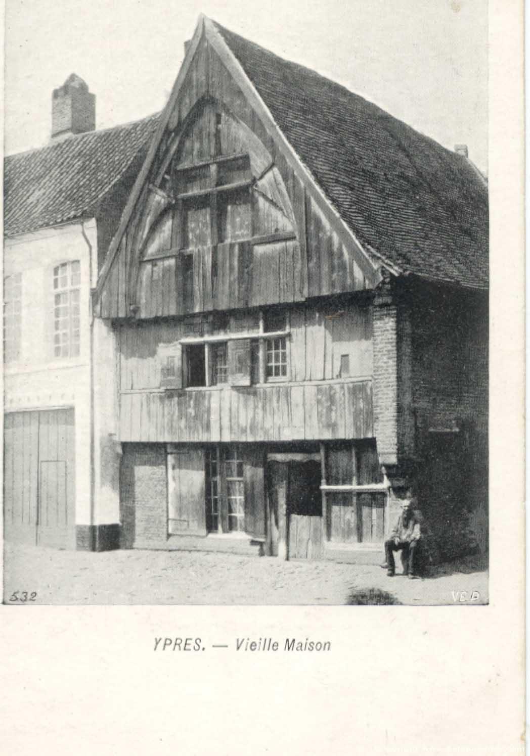 Oud houten huis ieper foto - Houten huis ...
