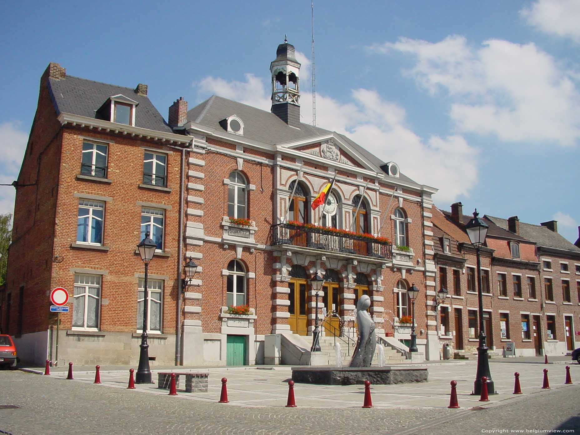 Town hall le roeulx picture for Auderghem maison communale