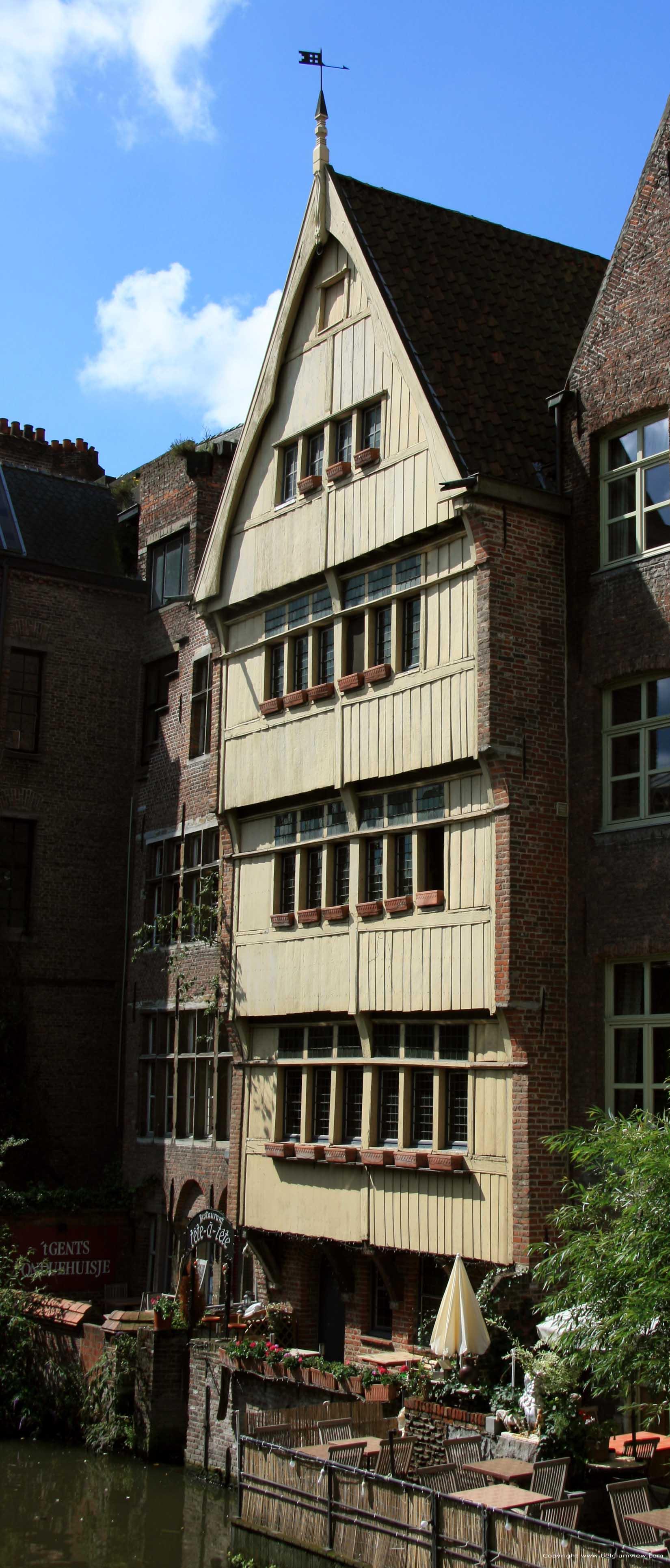 Huis met houten achtergevel huis van jan brouckaerd gent for Huis met tuin gent